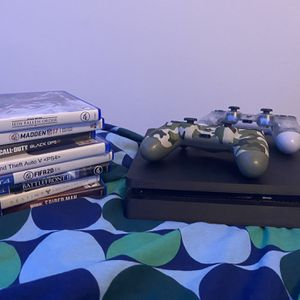 Ps4 Slim With Two Controllers And Games for Sale in Pembroke Pines, FL