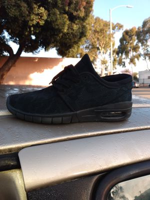 Black Nike camo. Size 5 1/2 for Sale in Inglewood, CA