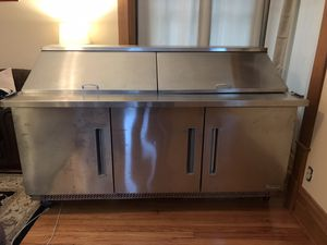 6 FOOT COMMERCIAL REFRIGERATED TABLE for Sale in Owosso, MI