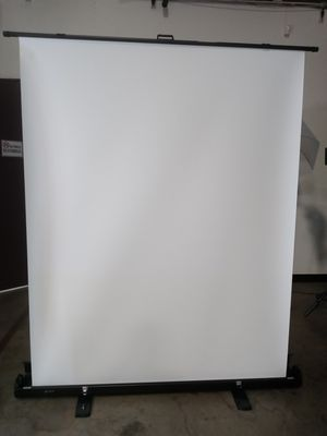 5ft. (W) x 6ft. (H) Collapsible and Retractable White Chromakey Screen with Built-in Aluminum Case, Photo Video Studio for Sale in Chino, CA