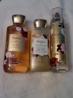 Bath And Body Works Dahlia for Sale in Madera,  CA