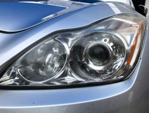 2008-2010 INFINITI G37 COUPE LEFT DRIVER SIDE HEADLIGHT for Sale in Fort Lauderdale, FL