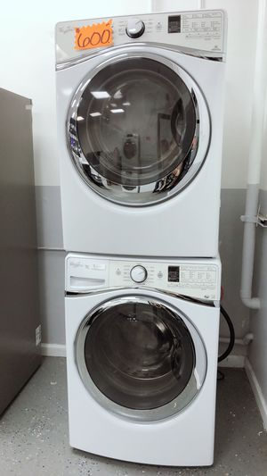 WHIRLPOOL STACKABLE Washer and GAS Dryer for Sale in Long Beach, CA