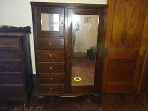 Wardrobe and 5 drawer dresser. for Sale in New Hampton, IA
