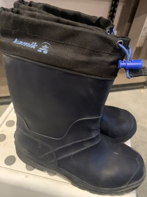 Kamik size 4 snow boots for Sale in Weymouth, MA