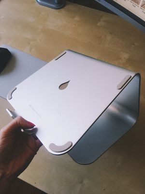 Rain laptop stand MacBook for Sale in Los Angeles, CA