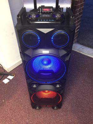 Bluetooth speaker 🔊 karaoke 🎤 for Sale in Washington, DC