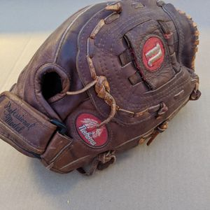 Baseball Softball Gloves, Rawlings, Wilson, Nokona for Sale in Mesa, AZ