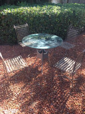 High-quality outdoor table and chairs NEEDS TO GO!!! for Sale in San Jose, CA