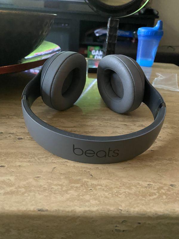 Beats by Dre Studio 3s