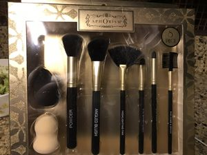Makeup brushes for Sale in Los Angeles, CA