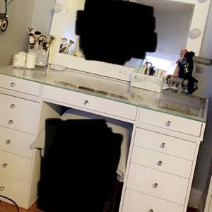 Vanity set for Sale in Chino Hills, CA