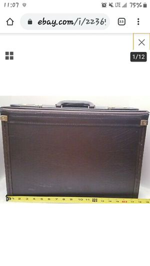 Vintage LOCKING Heritage Dr., Pilot, Lawyer Catalog Briefcase for Sale in Columbus, OH