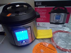 Instant Pot Duo Evo Plus Pressure Cooker 6Qt / new for Sale in Arlington, TX