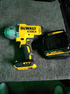 DEWALT 20-Volt MAX Lithium-Ion Cordless Brushless 1/2 in. Impact Wrench with Hog Ring Anvil and Tool Connect 5.0ah battery and charger for Sale in Rialto, CA