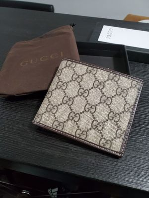 Gucci wallet for Sale in Chicago, IL