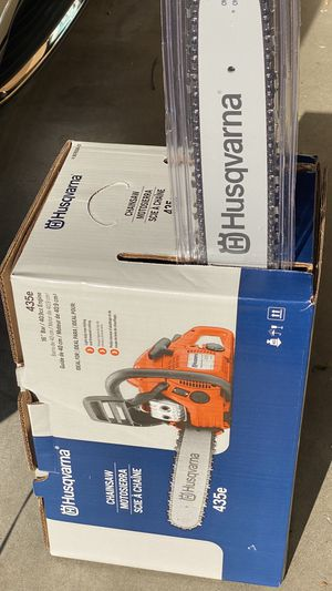 Husqvarna435 16-in 40.9-cc 2-Cycle Gas Chainsaw $220 firm. for Sale in Federal Way, WA