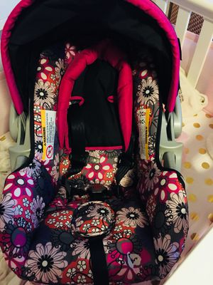 Infant Car seat w/Latch installation 🌸 for Sale in Chico, CA