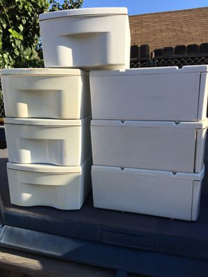 7 Small white plastic drawers for Sale in Buena Park, CA