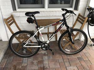 Trek 810 Mountain Bike for Sale in Seattle, WA