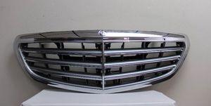 New 2015 2016 OEM Mercedes C Class C300 C350 Sedan Grille Grill W W205 for Sale in Lynnwood, WA