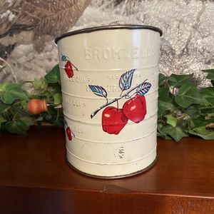 Bromwell's Cherry sifter, vintage, great shape for Sale in Delevan, NY