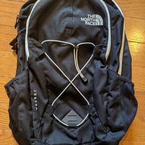 North Face Women's Jester backpack for Sale in Washington, DC