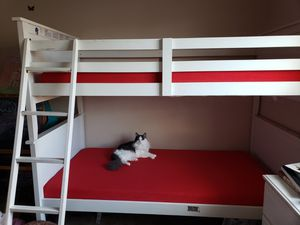 Bunk bed with mattress(both mattresses protection covers included) for Sale in Hillsboro, OR
