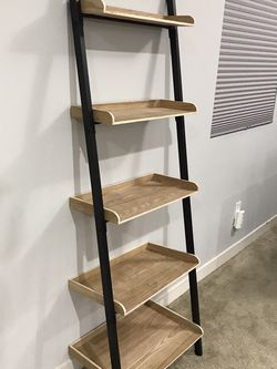 Leaning Ladder Bookshelf for Sale in Tacoma,  WA