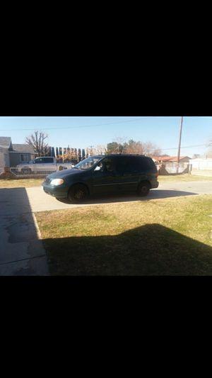 KIA mini van for Sale in Palmdale, CA