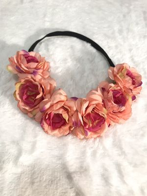 Elastic flower tiara cute for pictures or Moana outfit for Sale in National City, CA