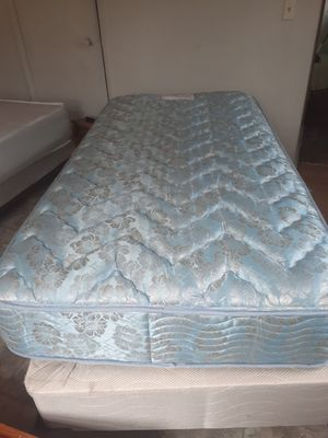 Pillow top TWIN BED for Sale in Warner Robins, GA