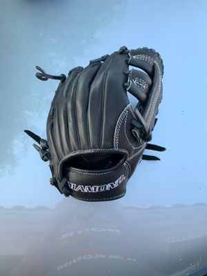 Diamond Training Baseball Glove for Sale in Chandler, AZ