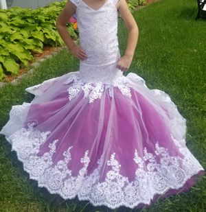 Mermaid flower girl dress 5t for Sale in Springfield, MA