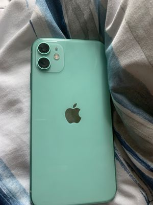 iPhone 11 64 Gb for Sale in Milwaukee, WI