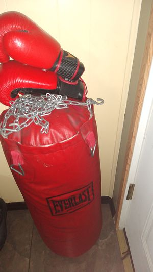 Boxing gloves and bag for Sale in Wenatchee, WA