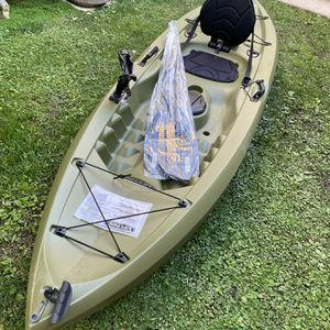 Lifetime Tamarack Angler Fishing Kayak NEW With Tags for Sale in Los Angeles, CA