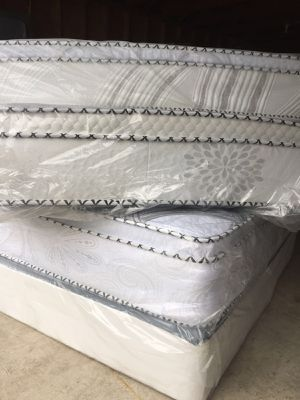 Orthopedic pillowtop Mattress And Bxspring for Sale in Broadview, IL