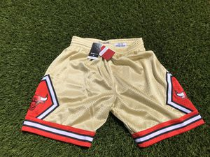 Mitchell and ness bulls swing man short size medium 100% authentic for Sale in Los Angeles, CA