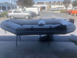 Inflatable boat 10' with motor mount will take a 3HP motor for Sale in Huntington Beach, CA