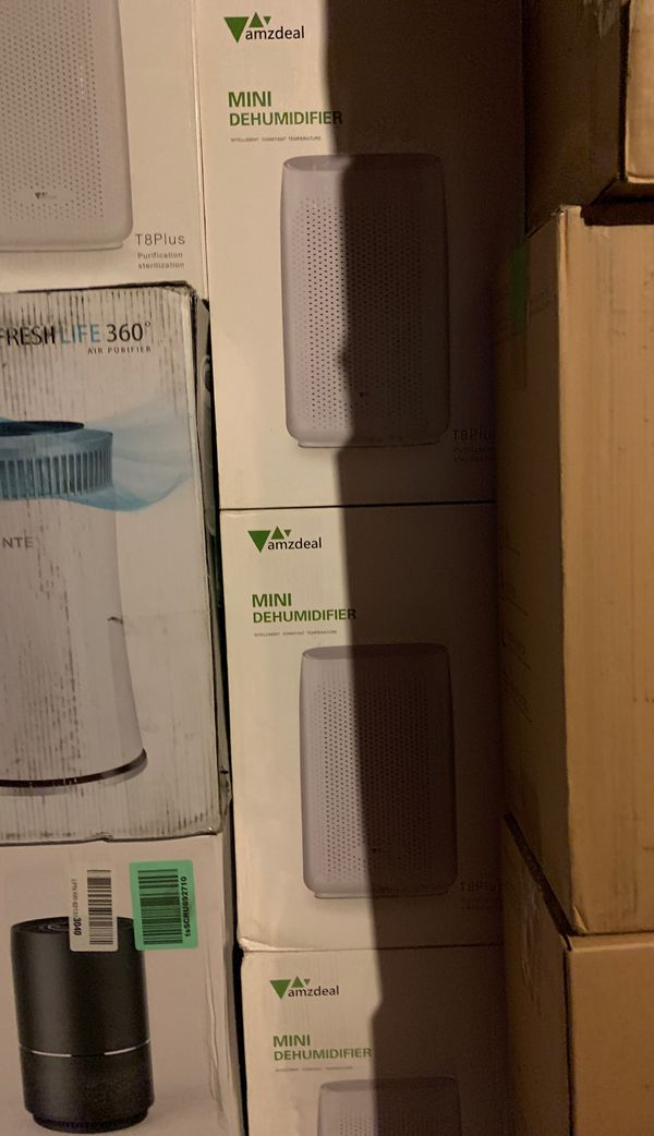 Humidifiers dehumidifiers large smalll New Years blowmake offer