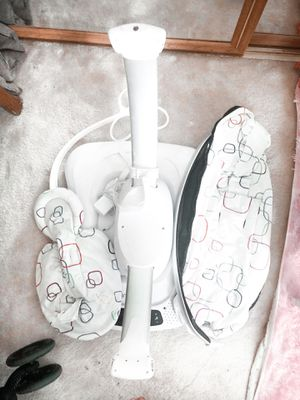 Mamaroo baby swing for Sale in Portland, OR