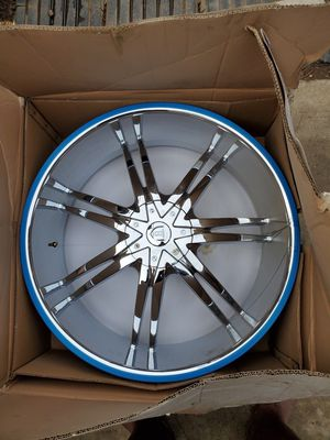 "24"" CHROME rim pt# D617723S for Sale in Madera, CA"