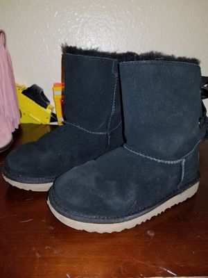 Girls UGG boots for Sale in Rancho Cucamonga, CA