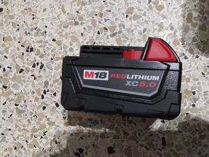 """Milwaukee 5.0 battery $60 FIRME"""" for Sale in Miami, FL"""