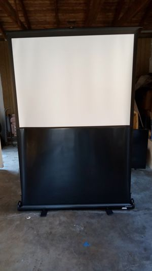 InFocus projection Pull up screen for Sale in Elk Grove, CA