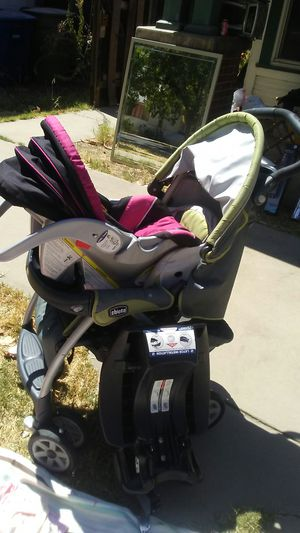 Stroller car seat base for car for Sale in Merced, CA