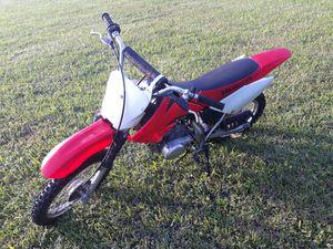 Honda crf80f 2004 Honda dirt bike for Sale in Hollywood, FL