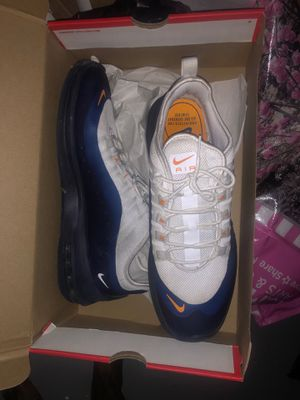 Nike Air Max Axis Size 11 for Sale in Baltimore, MD