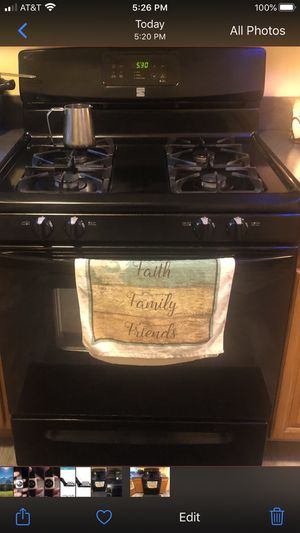 USED KENMORE GAS OVEN PERFECT CONDITION..REMODELING '..$100 for Sale in Brookline, MA